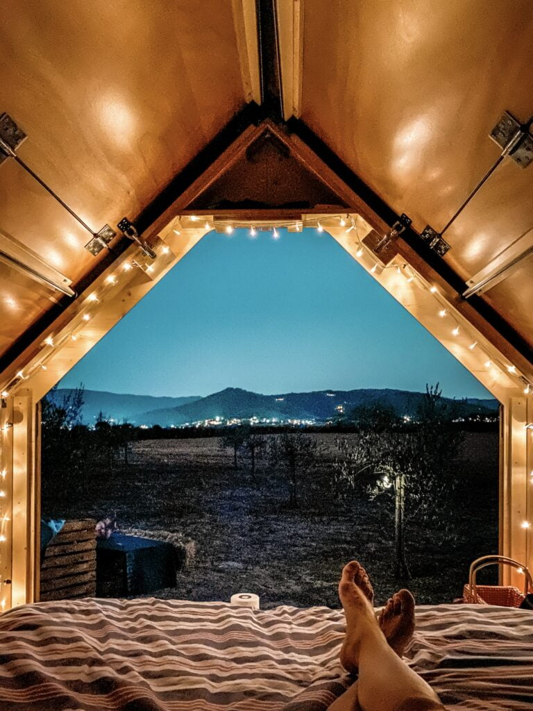 Dormire sotto le stelle StarsBOX glamping Toscana